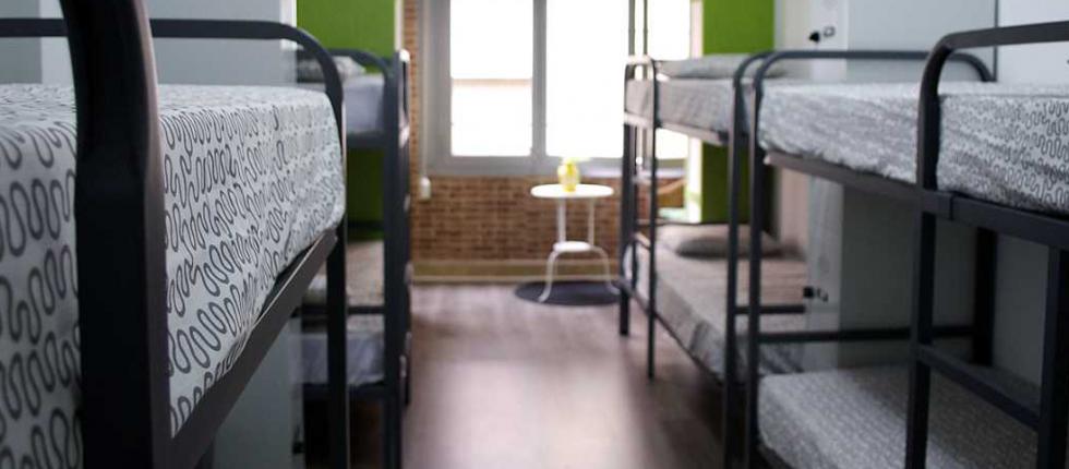 En Tarragona hostel ofrecemos instalaciones de calidad y renovadas, contando con una decoración cálida y moderna.